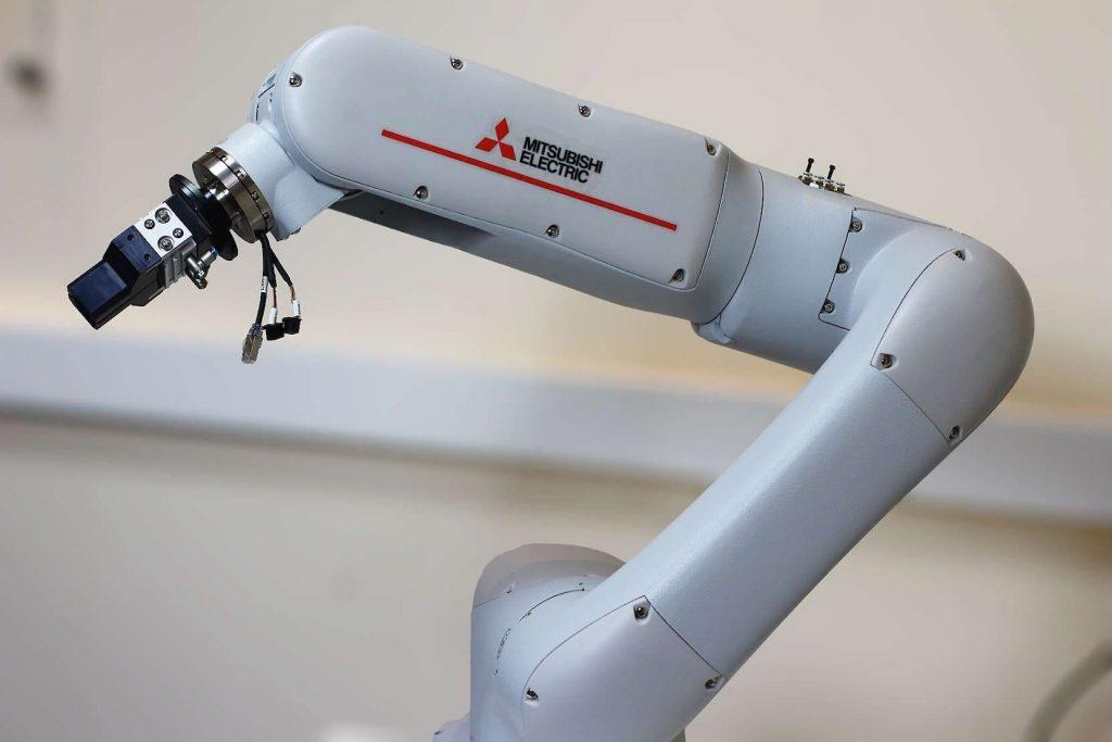 Mitsubishi crea un cobot que no precisa que sus trabajadores sepan de programación
